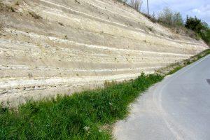Skärning genom kalkstens- och märgelstenslager