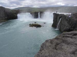 Goðafoss, ett av Islands mest kända vattenfall väster om Mývatn.